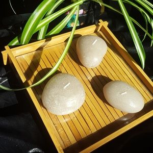 Bamboo tray with 3 candle stones
